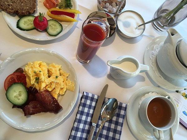 Frühstück im Hotel Allgäu Sonne (Image and Review by Hey Pretty)