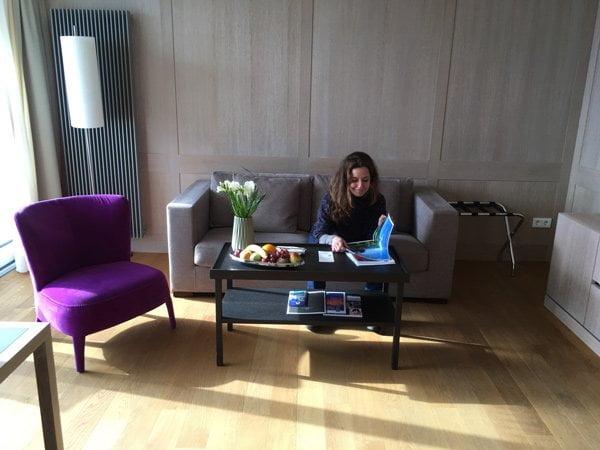 Hotel Allgäu Sonne: Wohnbereich der Junior Suite (Review auf Hey Pretty)