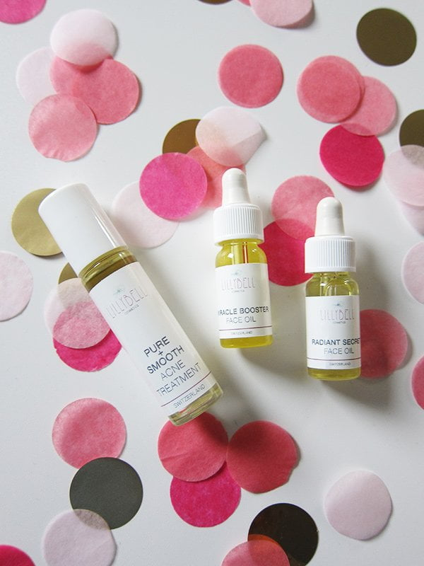 Lillybell Cosmetics Pure+Smooth Acne Treatment und Travel Sizes (Image by Hey Pretty)