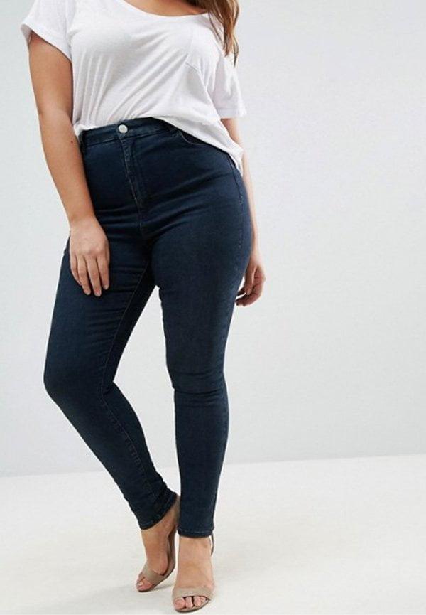 ASOS Curve Sculpt Me figurformende Jeans (10 Modebasics, die in jeden Schrank gehören), Hey Pretty Beauty Blog