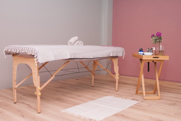 Spa and Store Review by Hey Pretty Beauty Blog: Organic Body Care Treatment Room