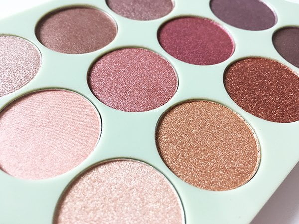 Closeup Pixi by Petra Eye Reflections Shadow Palette (3D Metallic Lidschatten), Image and Review by Hey Pretty