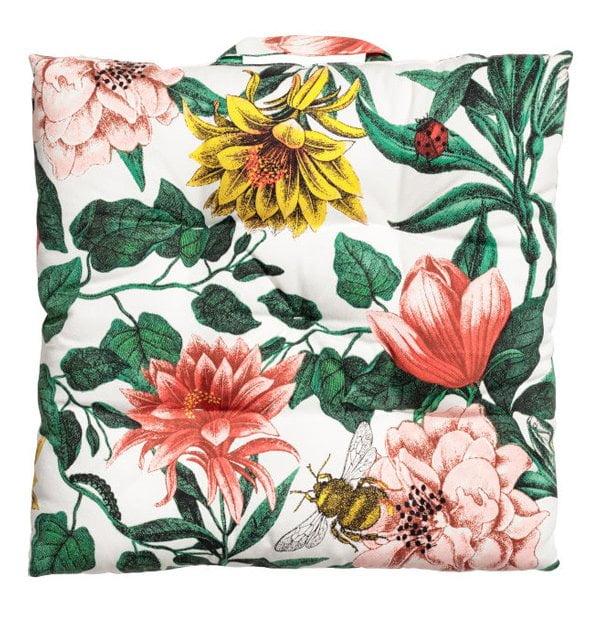 Ab in den Garten mit Hey Pretty: Gemustertes Sitzkissen von H&M Home