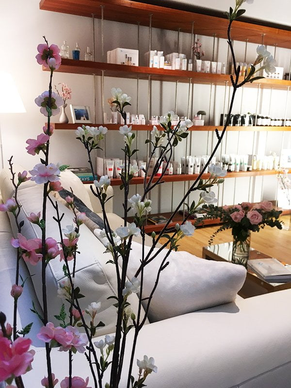 Hey Pretty Spa Review: The Organic Pharmacy Beauty Spa bei Marionnaud Zürich