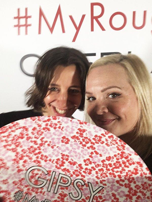 Selfie-Orgie mit smiley Katrin von Sonrisa...