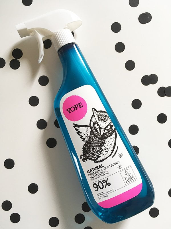 YOPE Window and Mirror Cleaner, unparfümiert (Image by Hey Pretty Beauty Blog)