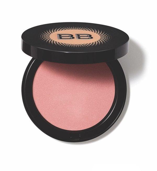 Bobbi Brown Illuminating Bronzing Powder (Spring 2018), PR Image, Teil der Warm Define Illuminate Kollektion