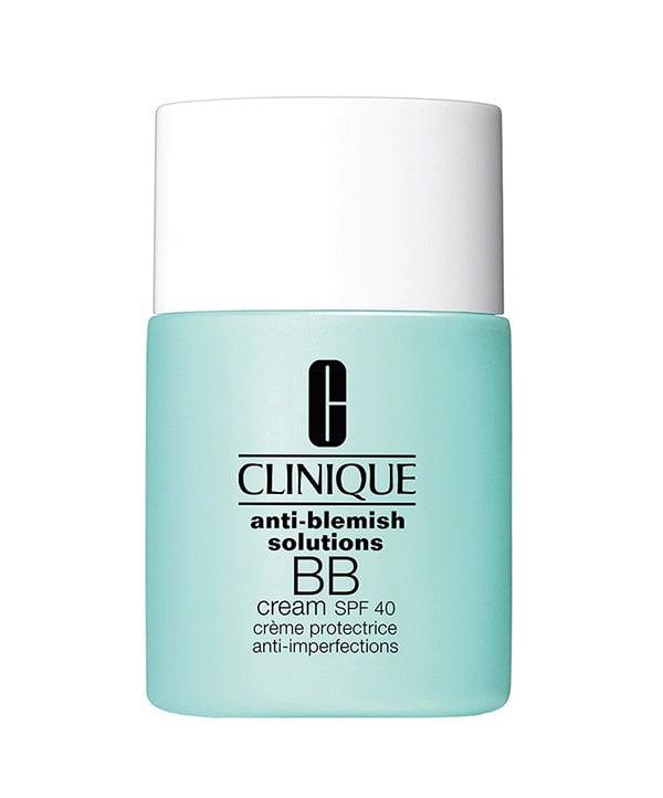 Diese sechs Make-Up Produkte solltest du besitzen: Leichte Foundation (Clinique Anti-Blemish Solutions BB Cream SPF 40), Hey Pretty Beauty Blog