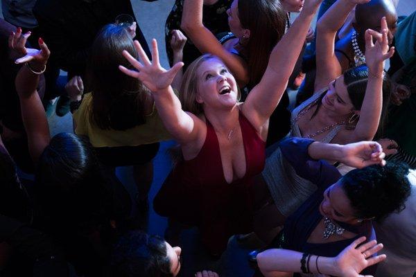 I Feel Pretty mit Amy Schumer (Filmstart 10. Mai 2018): Review und Ticketverlosung auf Hey Pretty – Image Copyright: Ascot Elite