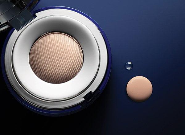 Luxuriöse Cushion Foundation – La Prairie Skin Caviar Essence-in-Foundation (Review auf Hey Pretty), PR Image Cushion-Closeup