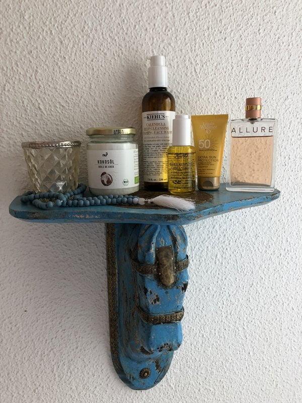 Show me your Badezimmerschränkli by Hey Pretty Beauty Blog Liliane Meier Littleyoga Kiehls Coconut Oil Chanel Louis Widmer