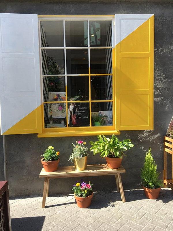 Shop an der Rose Street in Edinburgh (Hey Pretty)