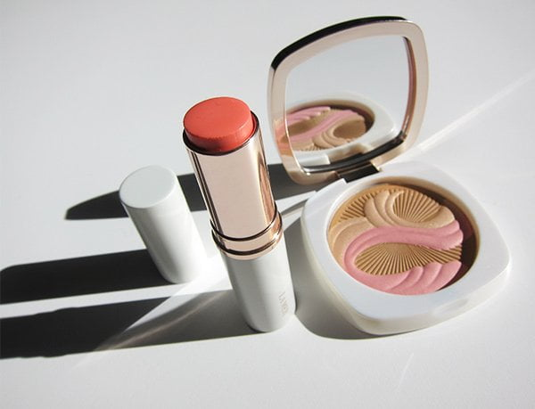 La Mer Lip and Cheek Glow in Coral Glow (Image by Hey Pretty), mit The Bronzing Powder