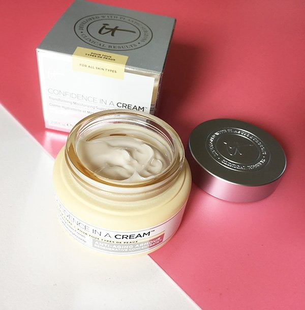 It Cosmetics Confidence in a Cream (Hey Pretty Beauty Blog Review)
