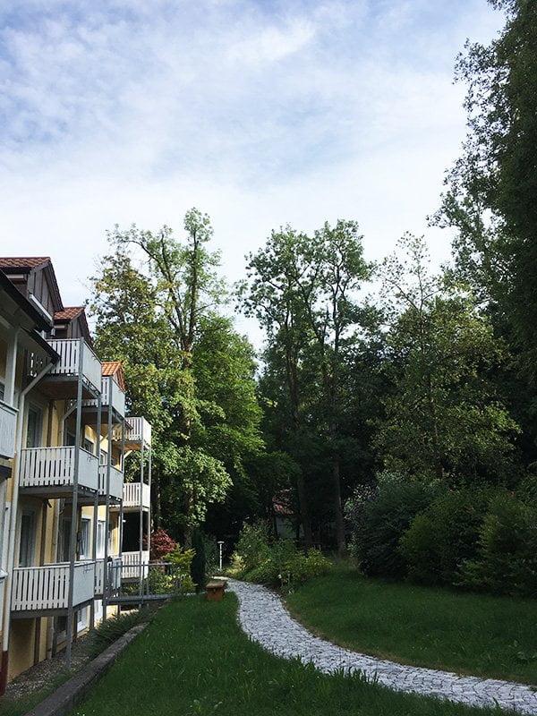 Vitalhotel Sonneck: Garten und Spabereich (Erfahrungsbericht auf Hey Pretty)