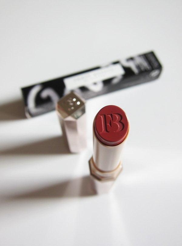 Fenty Beauty Mattemoiselle Blush Matte Lipstick in Spanked (Hey Pretty Erfahrungsbericht)
