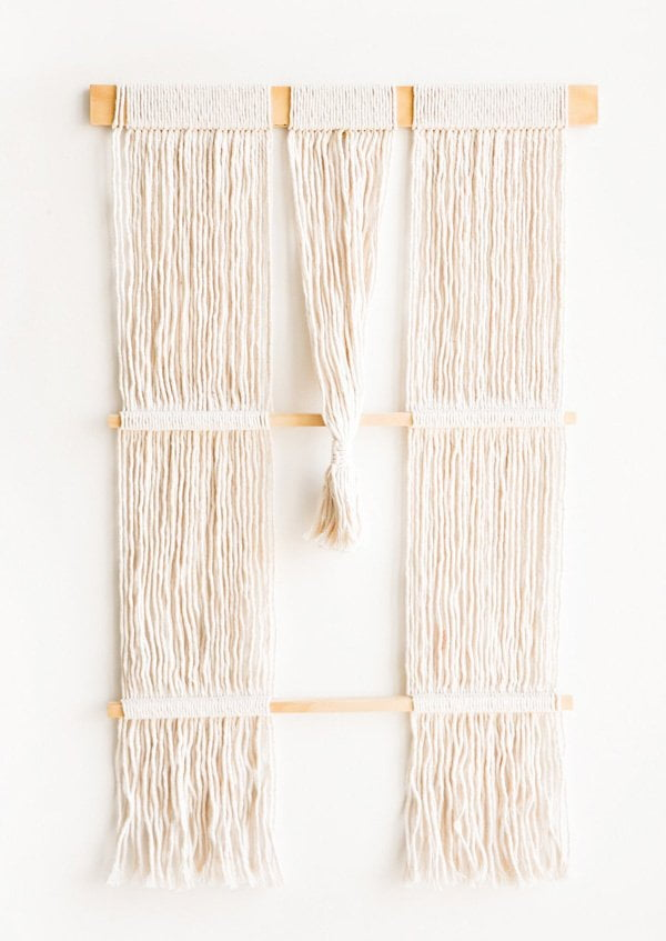 Tassel Tapestry von Leifshop in Brooklyn: Ibiza Style Dekorationsideen auf Hey Pretty
