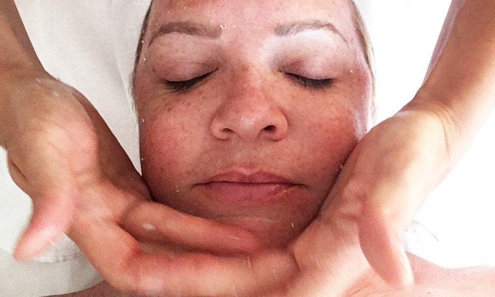 Hey Pretty testet die japanische Lifting-Massage Kobido