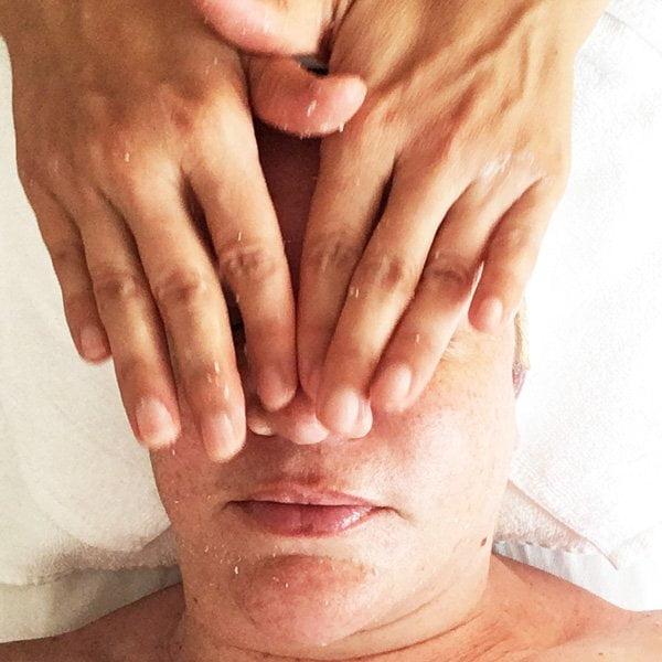 Kobido Gesichtsmassage bei Sandra Salvatore vom Massage Therapie Zentrum Zürich (Hey Pretty Spa Review)