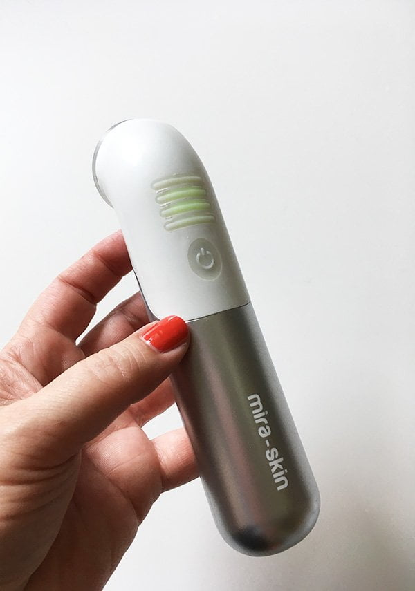 Mira-Skin Ultraschallgerät zur Anti-Aging-Behandung Zuhause (Hey Pretty Beauty Blog)