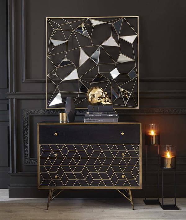 Kommode JAGGER aus schwarzem Holz mit Gold (Image Credit: Maisons du Monde), Hey Pretty Deko-Flash Glamour