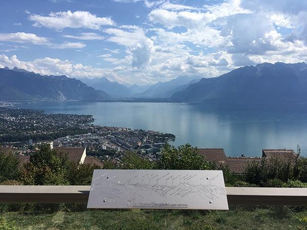 Aussicht vom Balkon einer Junior Suite im Le Mirador Mont-Pelerin (Hey Pretty Beauty Blog)