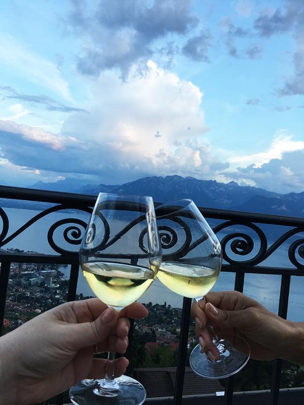 Apéro auf der Terrasse des Le Mirador (Spa Review auf Hey Pretty Beauty Blog)