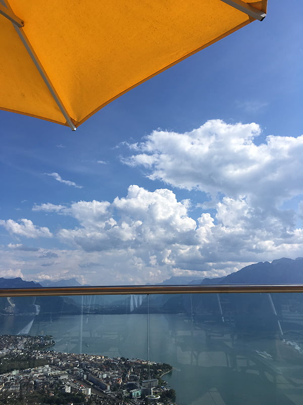 Sonnenterrasse des Le Mirador Spas in Mont-Pelerin (bei Vevey): Hey Pretty Beauty Blog Review