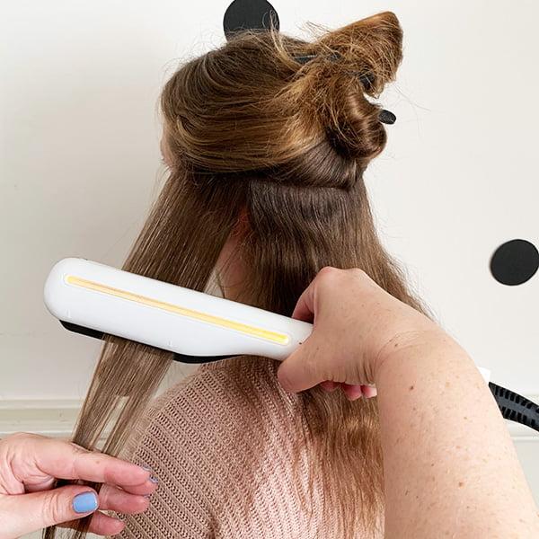 Haare glätten mit dem L'Oréal Steampod: Step One (Hey Pretty Beauty Blog Erfahrungsbericht)
