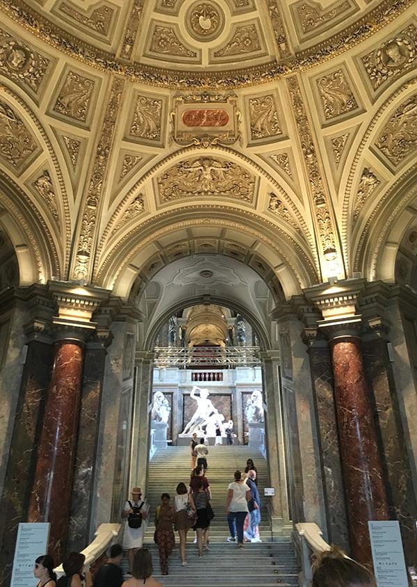Solo in Wien: Kunsthistorisches Museum, Eingangshalle (Hey Pretty Travels)