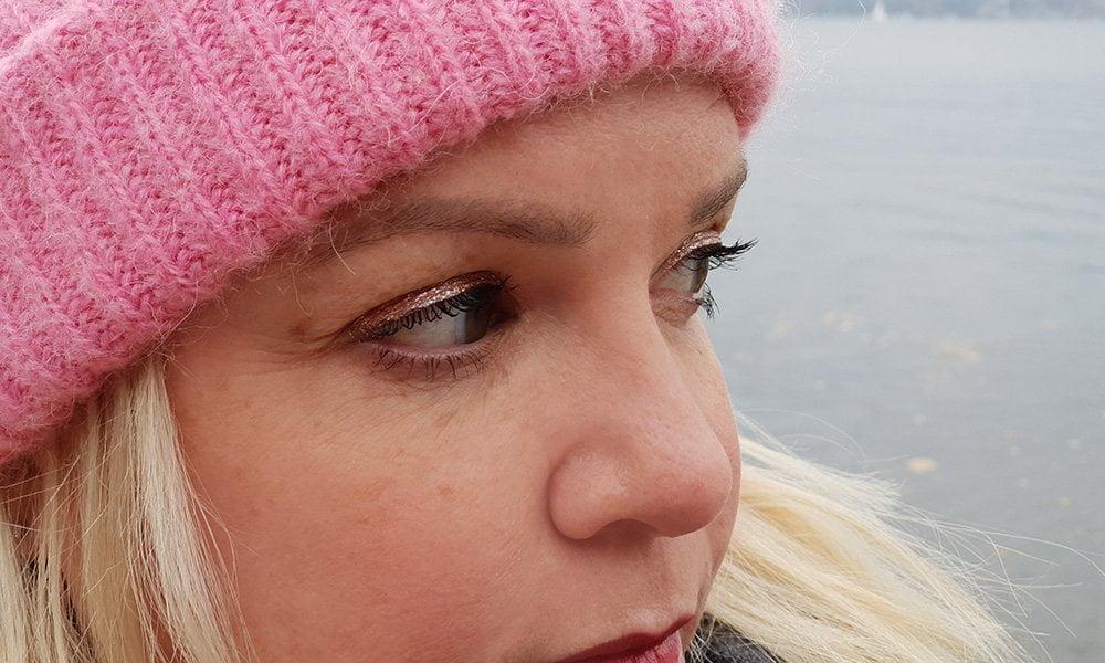 Tragbare Glitter Make-Up Looks und Lieblingsprodukte auf Hey Pretty Beauty Blog
