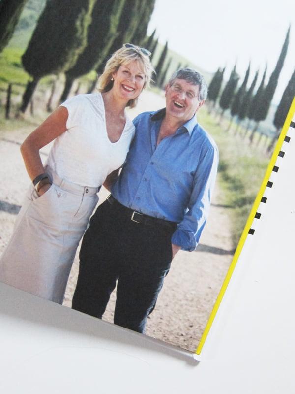 Katie & Giancarlo Caldesi: Autorenbild aus «Toskana – Authentische Rezepte aus Italien» (Südwest Verlag 2018), Review auf Hey Pretty