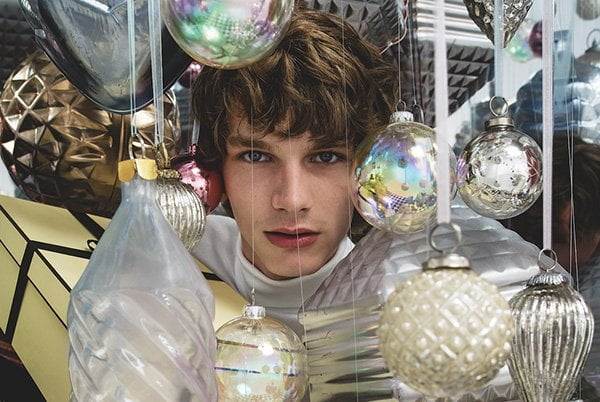 Jo Malone London Christmas Collection 2018: All That Sparkes (PR Image of a dude)
