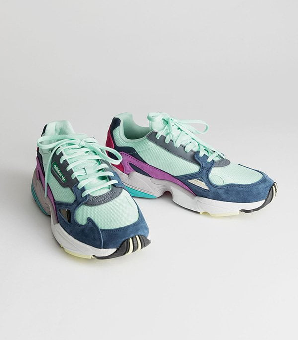 Adidas Falcon Dad Sneaker in Turquoise (bei & Other Stories erhältlich) – Fashion Flash auf Hey Pretty