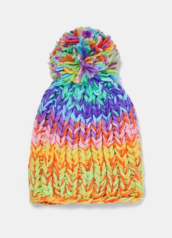 Regenbogenfarbene Kappe von Zara (Hey Pretty Fashion Flash: Lass' mal Farbe rein)