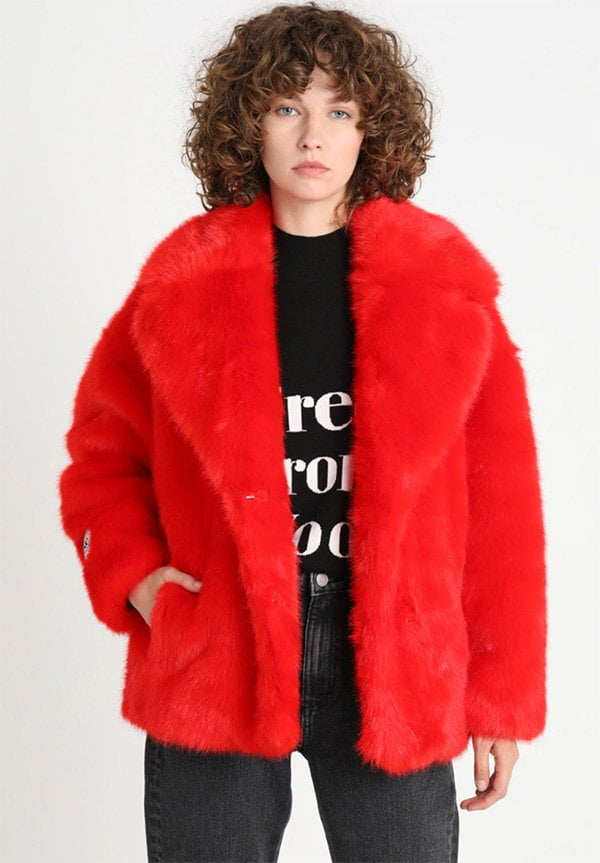 Rita Luxe Fake-Fur Jacke in Rot bei Zalando (Hey Pretty Fashion Flash)