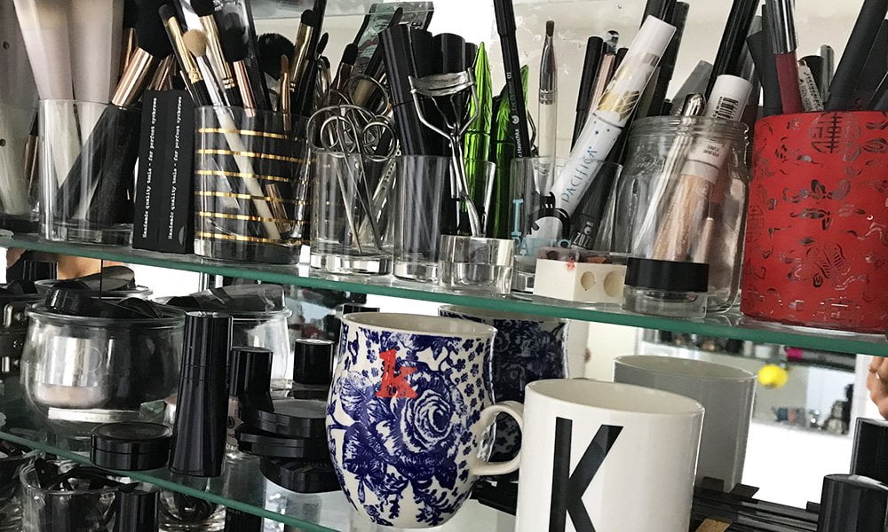 Show Me Your Badezimmerschränkli mit Katrin Roth von Sonrisa.ch – Echte Beauty-Routinen von echten Frauen (Hey Pretty Beauty Blog)