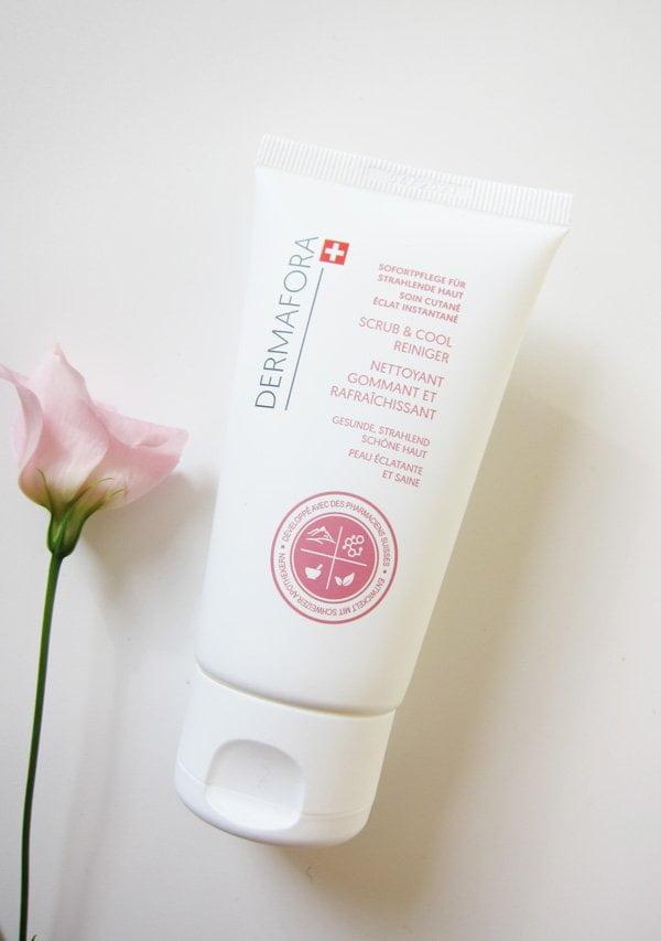 Dermafora Scrub & Cool Reiniger (Peeling für strahlende Haut), neu in Apotheken erhältlich – Hey Pretty Beauty Blog Review
