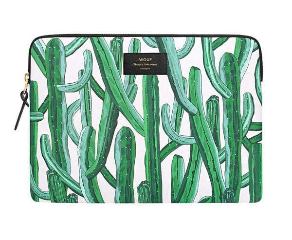 Schicke, stylishe Laptop Hüllen auf Hey Pretty: Wouf Laptop Case mit Kaktus Print