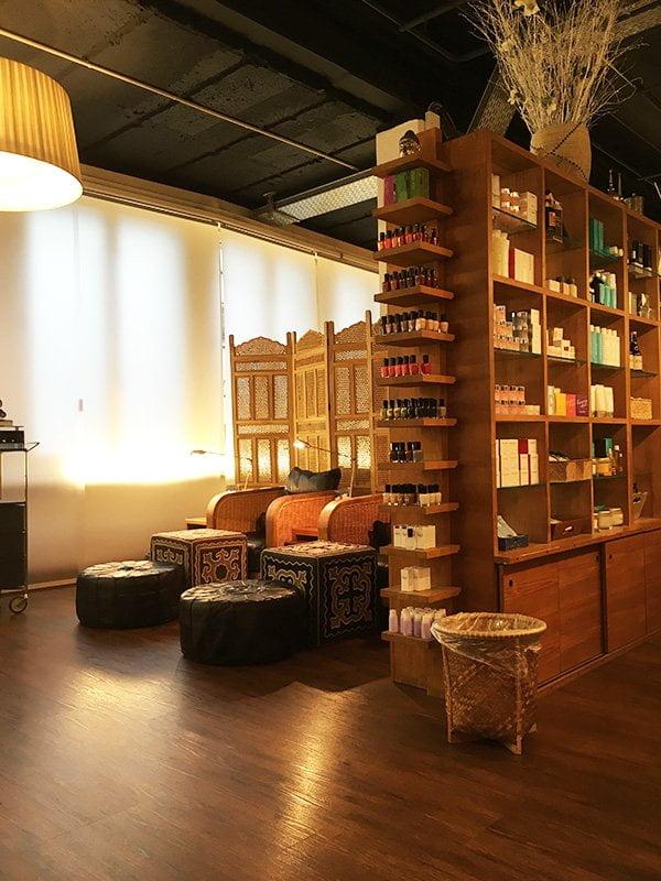 Zoya Naked Manicure für strapazierte Nägel, neu bei der Schminkbar Zürich erhältlich (Hey Pretty Beauty Blog Review)