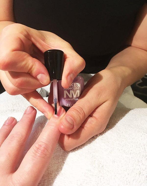 Die Zoya Naked Manicure, neu bei der Schminkbar Zürich erhältlich: Erfahrungsbericht auf Hey Pretty (mit Kim Petri)