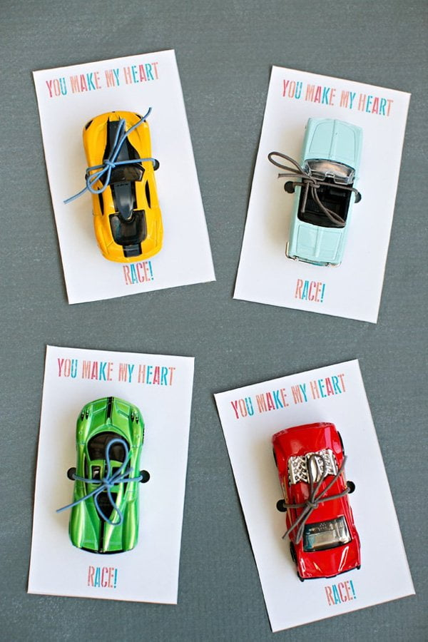 Valentinstag: Best of Pinterest auf Hey Pretty: You Make My Heart Race Valentine Card (Image credit: Hello Wonderful)