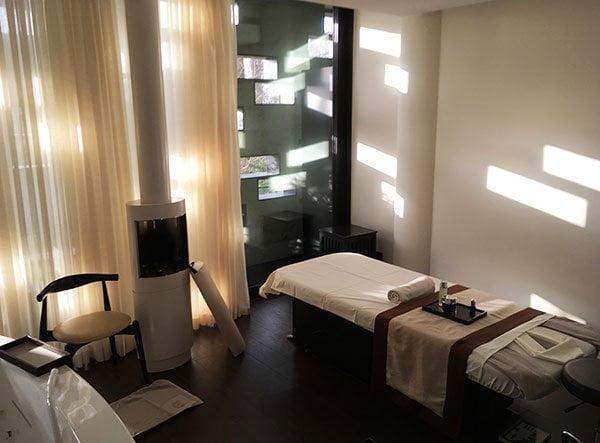 Caviar Massage by La Prairie: Spa Review The Dolder Grand Zürich auf Hey Pretty
