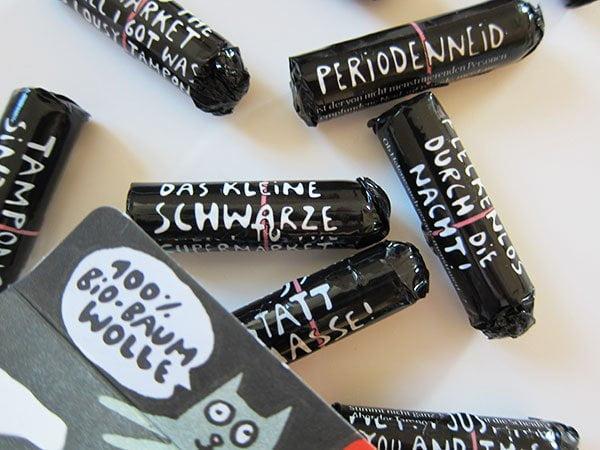 Einhorn Period Tampompon Super! (Detailaufnahme der Verpackung), Hey Pretty Beauty Blog Review und Brand-Liebe
