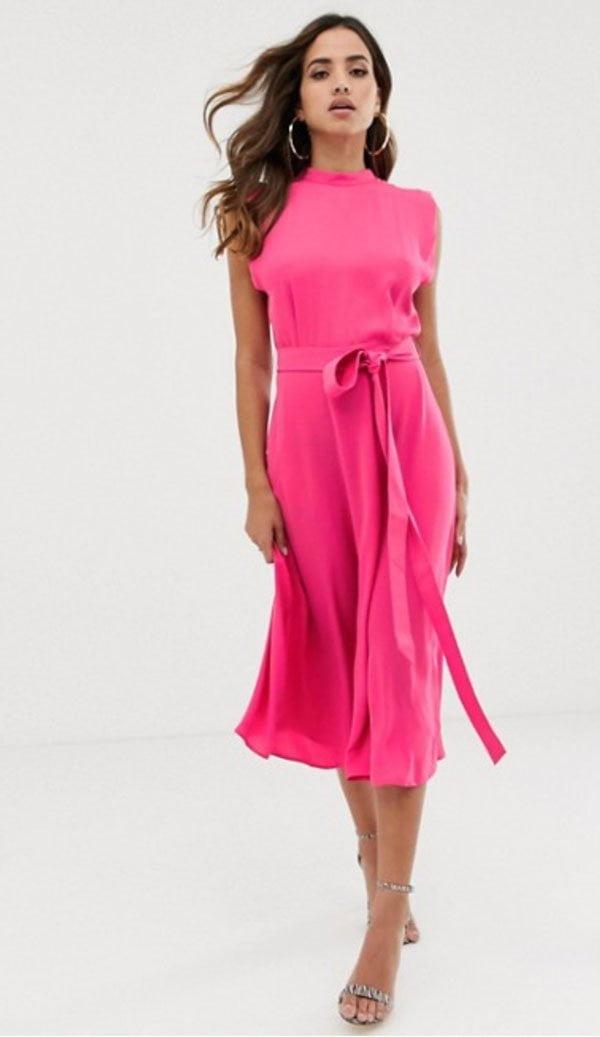 Pinkes Midikleid mit ausgestelltem Rock von ASOS (Hey Pretty Fashion Flash: Best Dressed Wedding Guest – schöne Kleider für weibliche Hochzeitsgäste)