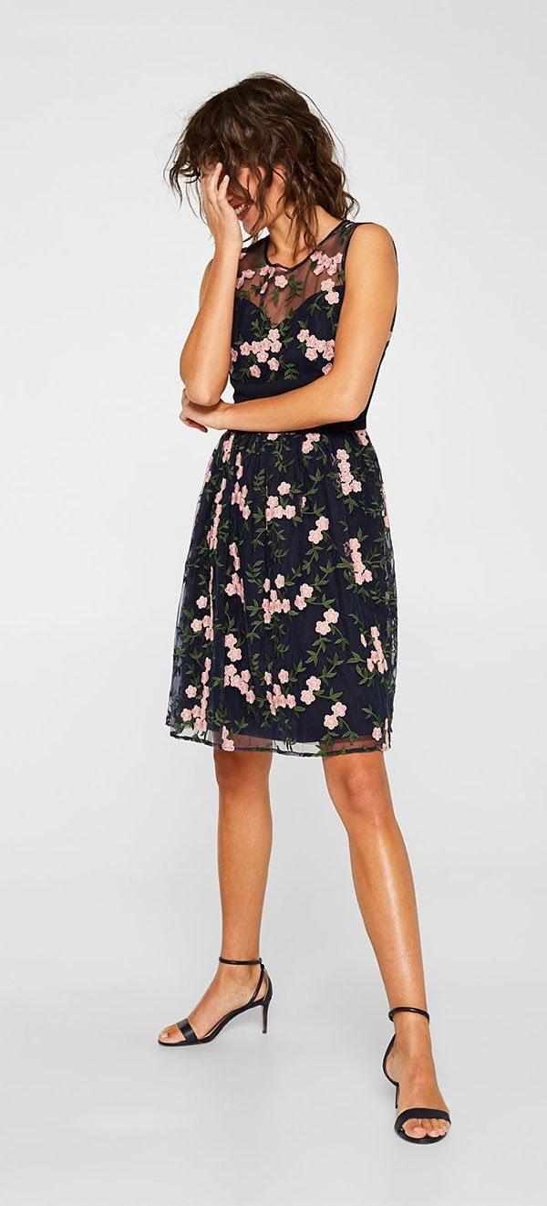 Tüllkleid mit floraler Stickerei von Esprit (Hey Pretty Fashion Flash: Best Dressed Wedding Guest – hübsche Kleider für Hochzeiten)