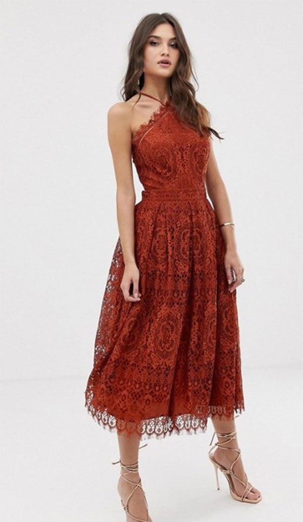 Midikleid aus rostfarbener Spitze von ASOS Design (Hey Pretty Fashion Flash: Kleider für Hochzeitsgäste 2019)