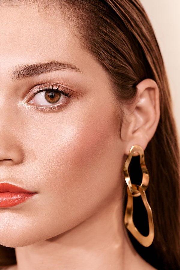 Bobbi Brown Beach Metals Collection (Frühling 2019) –Model Visual und Review auf Hey Pretty Beauty Blog