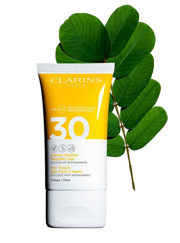 Reef Safe Sonnenschutzprodukte auf Hey Pretty: Clarins Dry Touch Sun Care Cream SPF 30 Face