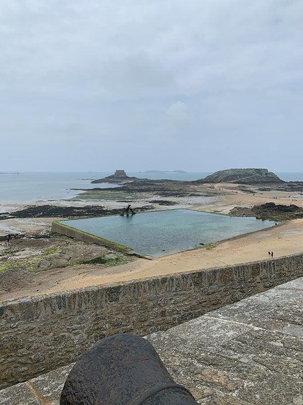 Swimming Pool von Saint-Malo (Hey Pretty Reisebericht)